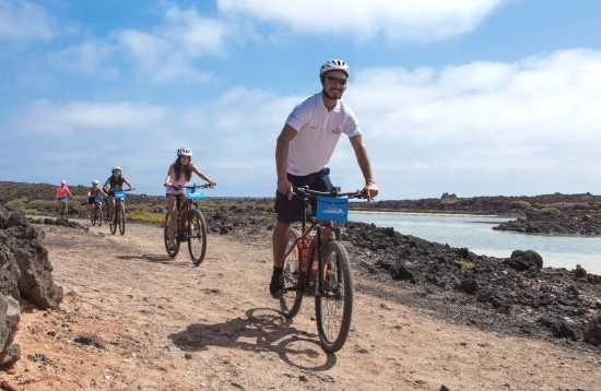 Barco & E-bike Isla de Lobos Fuerteventura