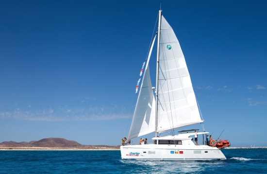 Gira en Catamarán Isla de Lobos Fuerteventura